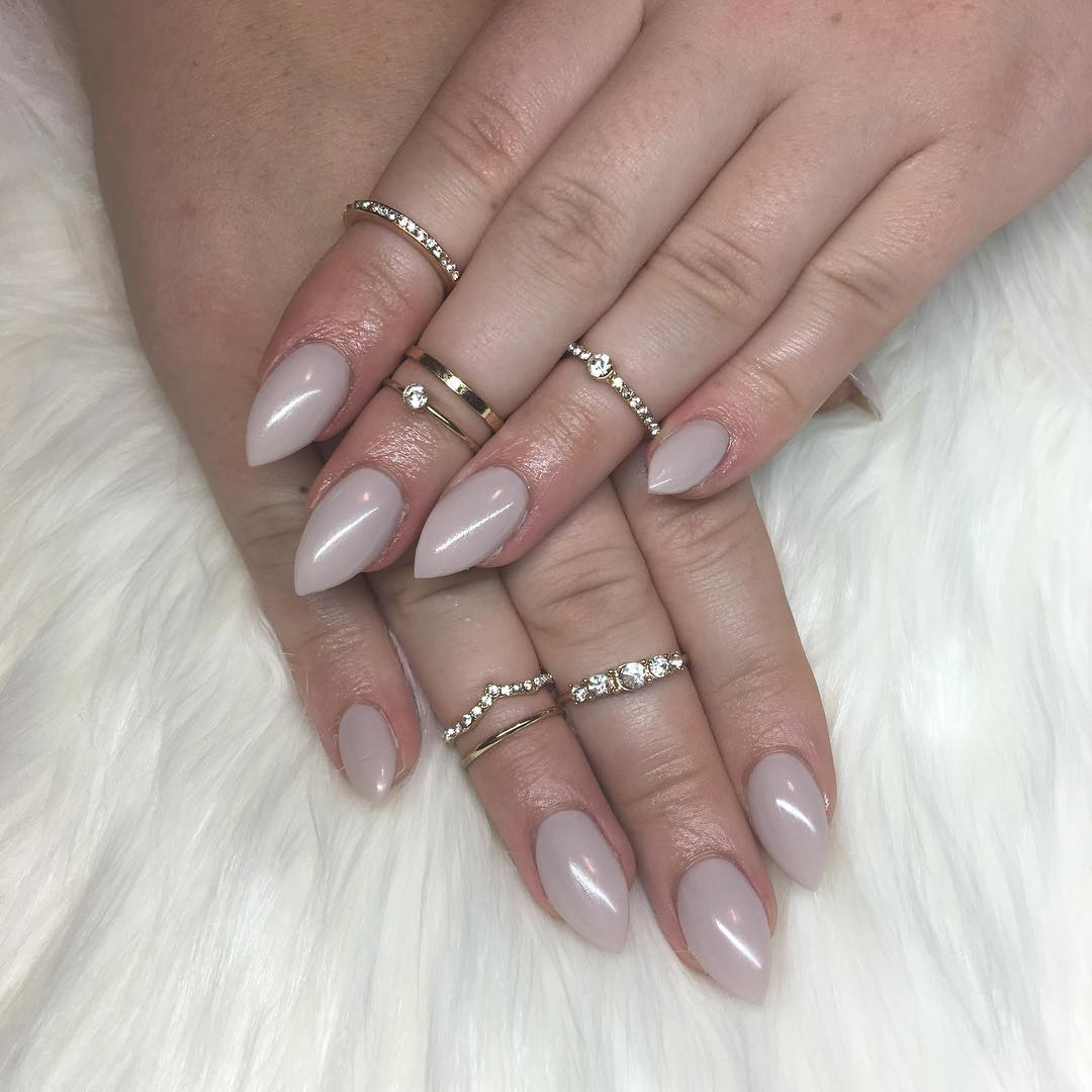 beautiful grey short stilleto nails