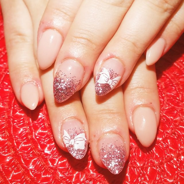 glitter short stiletto nails