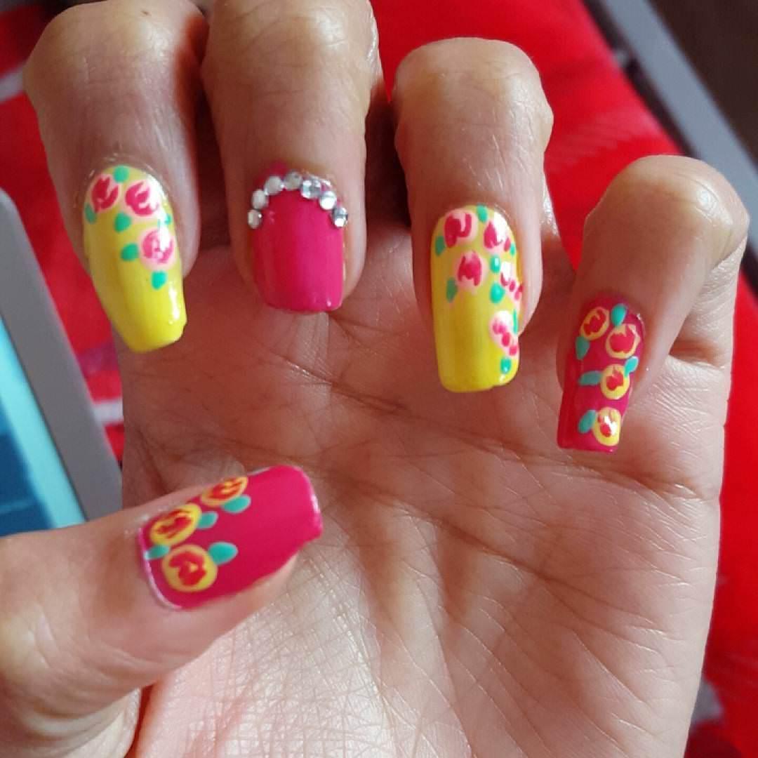 Colorful Nail Art: 29+ Flower Nail Art Designs