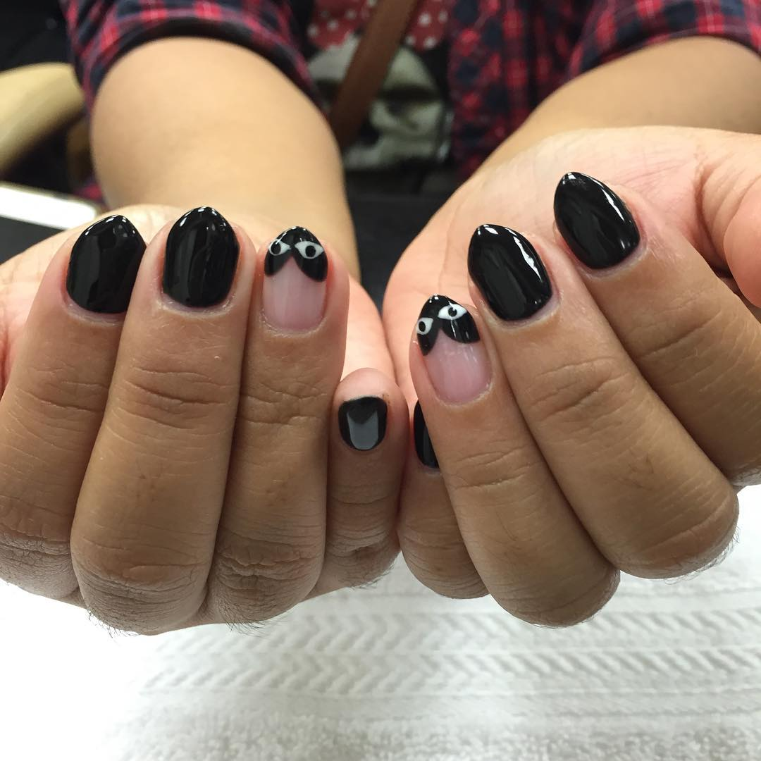 black beautiful short stiletto nails