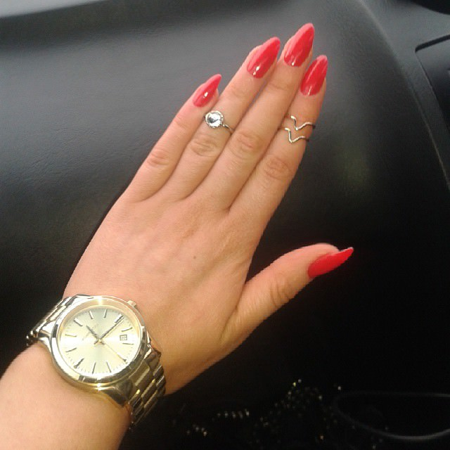 simple pink short stiletto nails