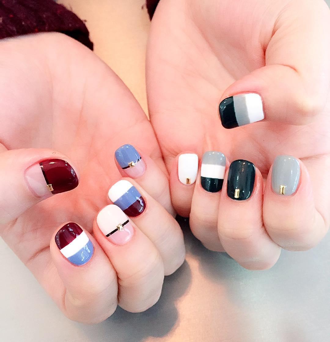 classy strip nail design