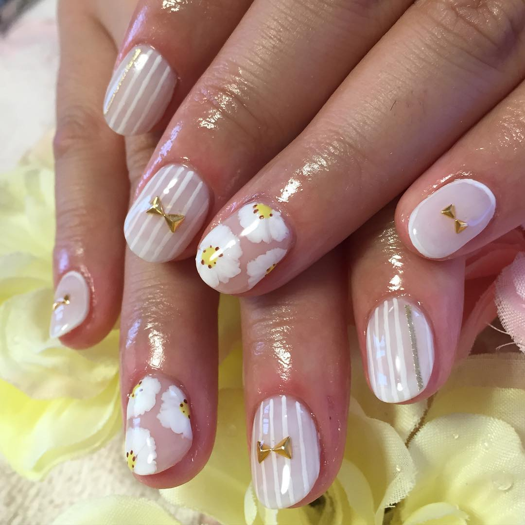 Gold and White Stripe Nail Design