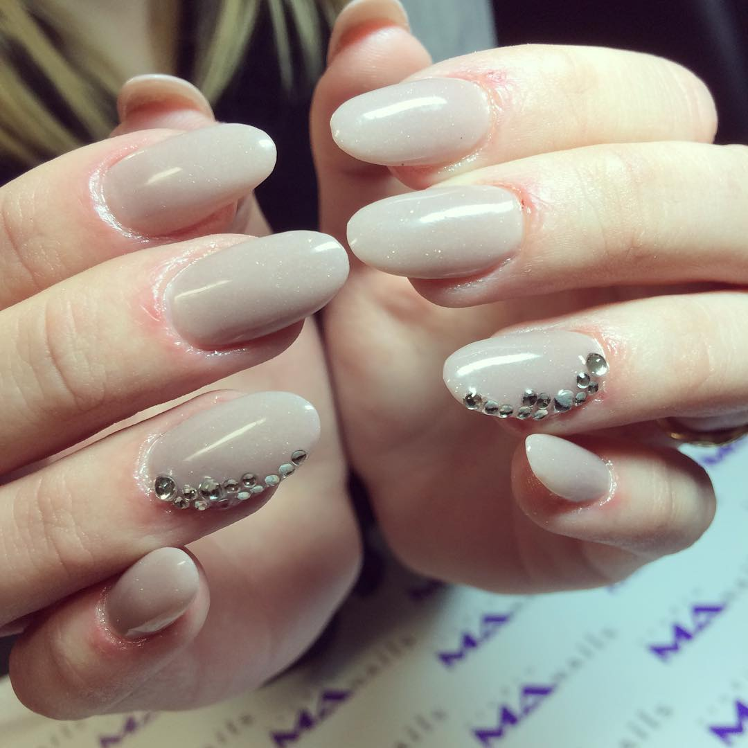 Grey Oval Nail Design