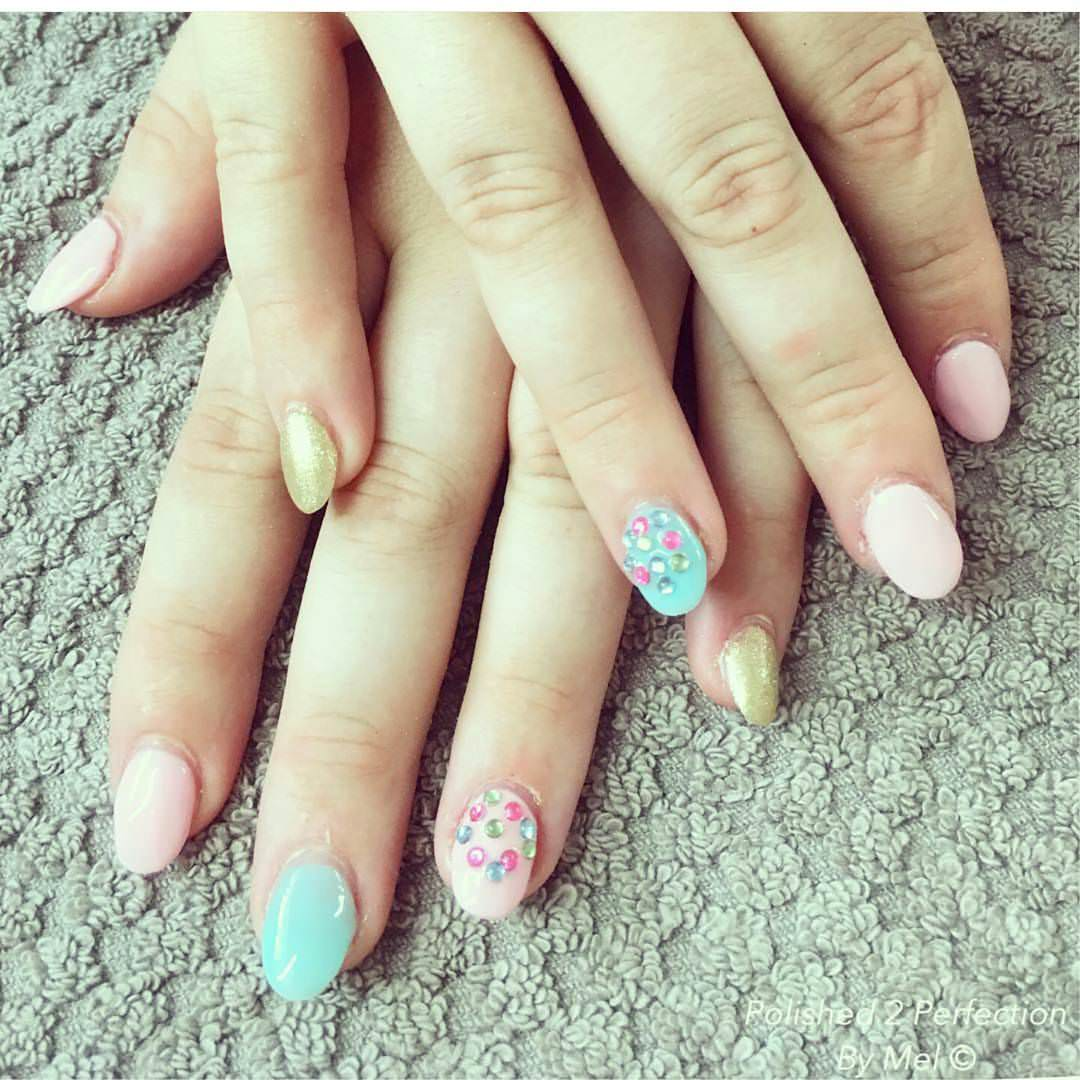 Stone Oval Nail Designs