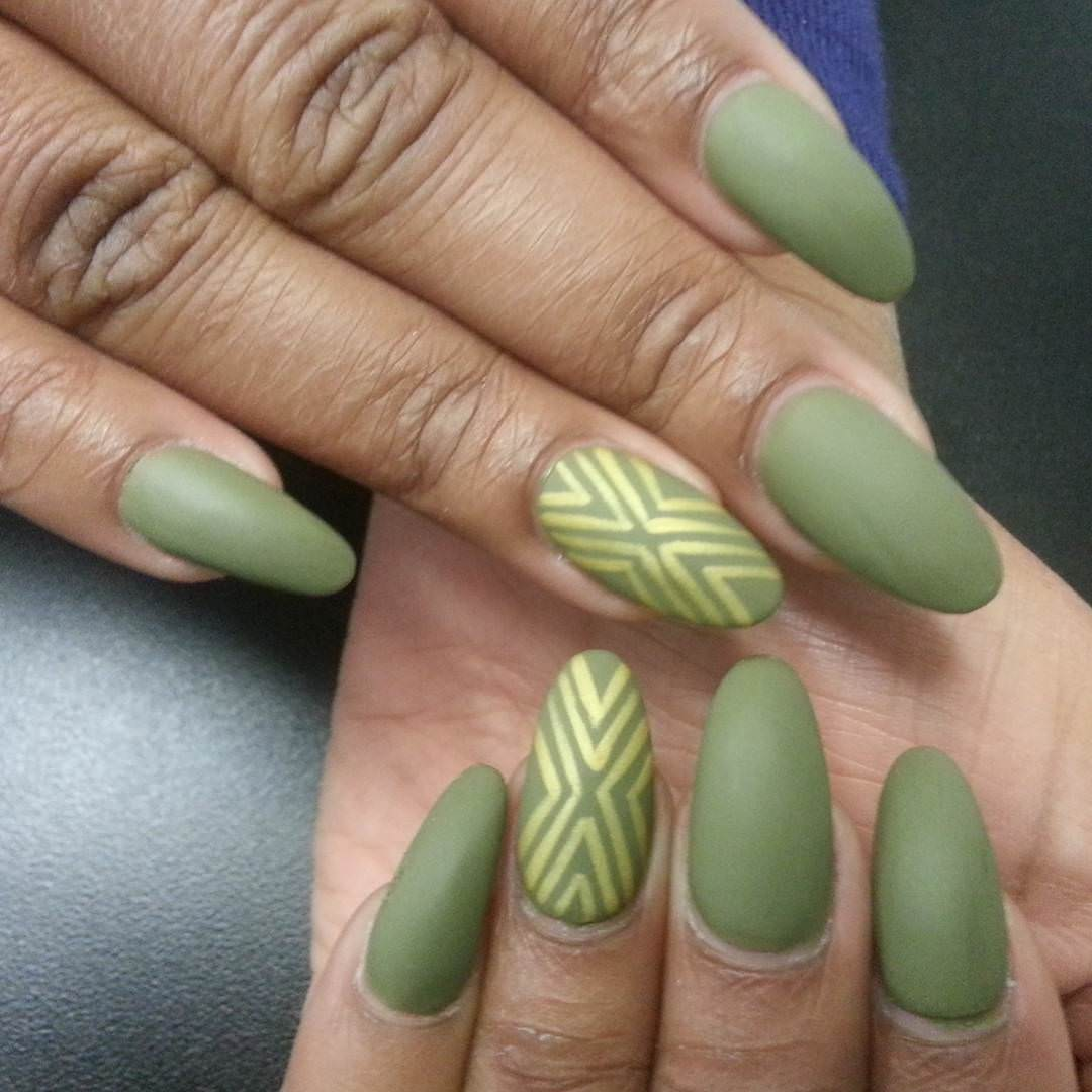 light green oval nail designs