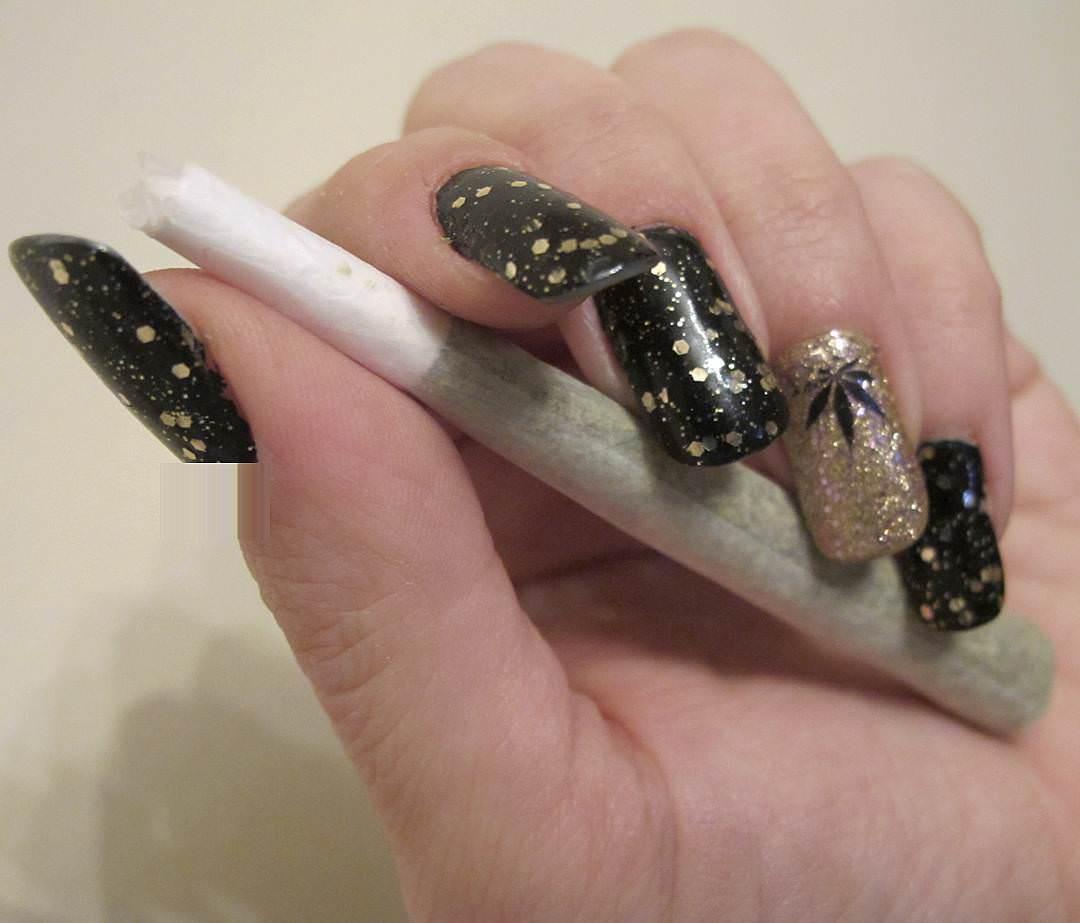 Black & Gold Weed Nail Design