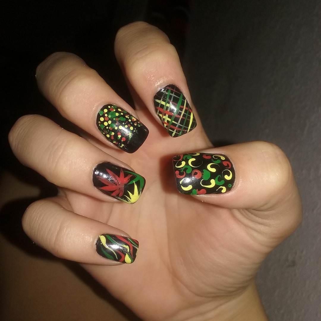 nice trendy weed nail design