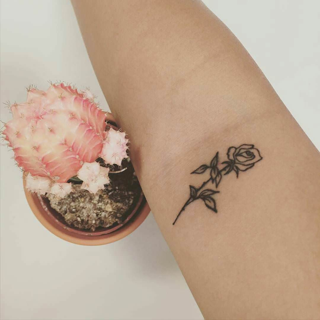 24+ Small Flower Tattoo Designs, Ideas