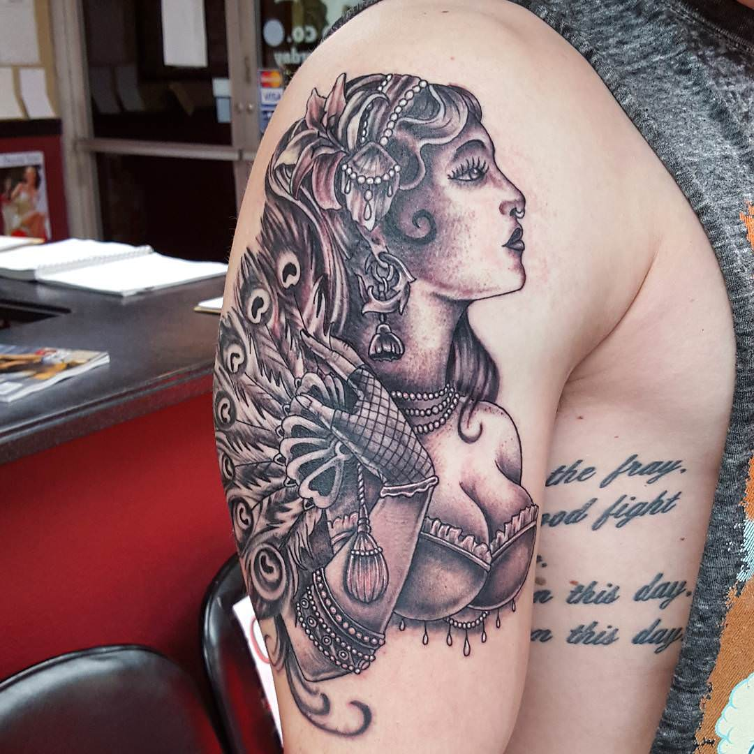 beautiful women cool sleeve tattoo