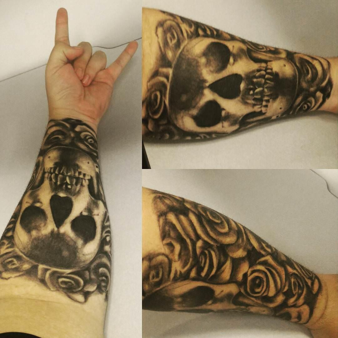 skull foream sleeve tattoo