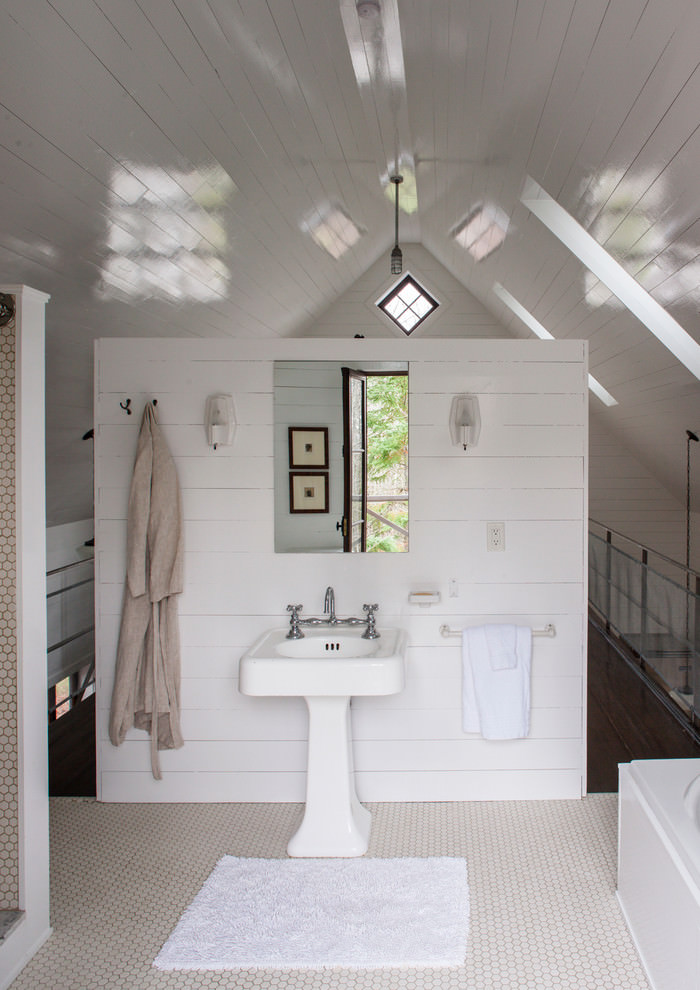 Rustic Attic Bathroom Design