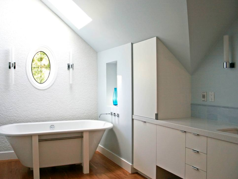 Modist Attic Bathroom Design