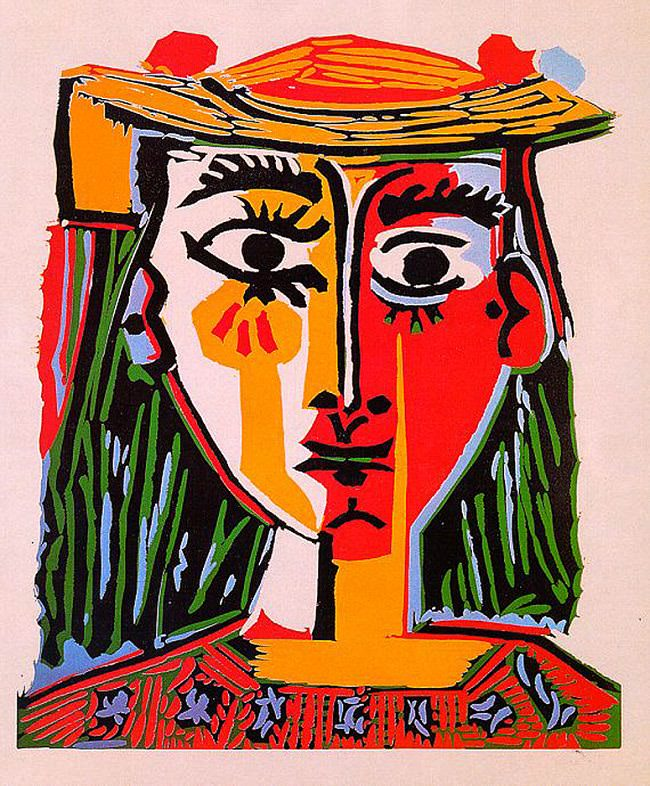 head of a woman with hat