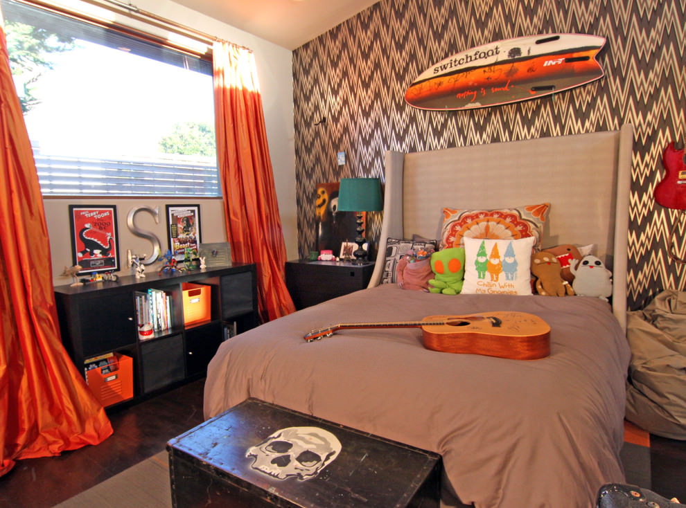 Eclectic orange kids bedroom design