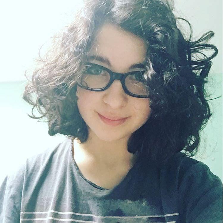 medium curly short hairstyle