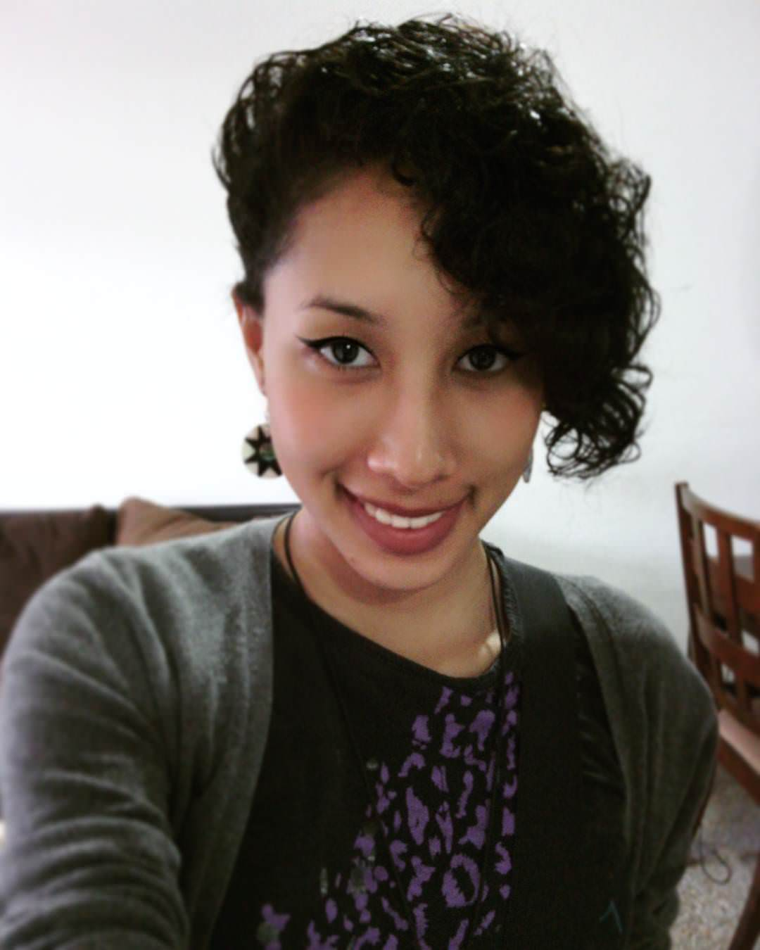 smart curly short hairstyle