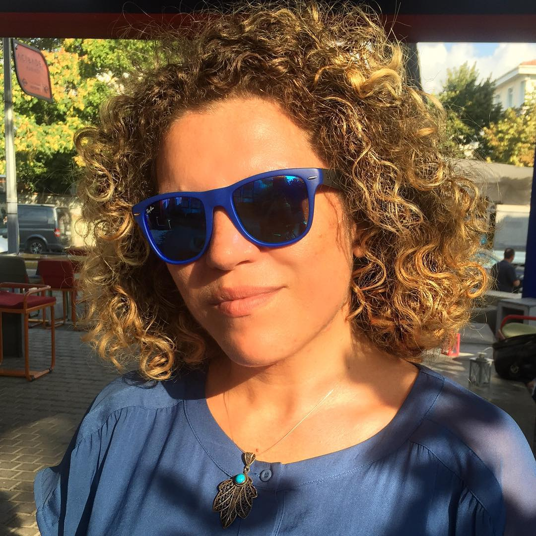 shining curly short hairstyle