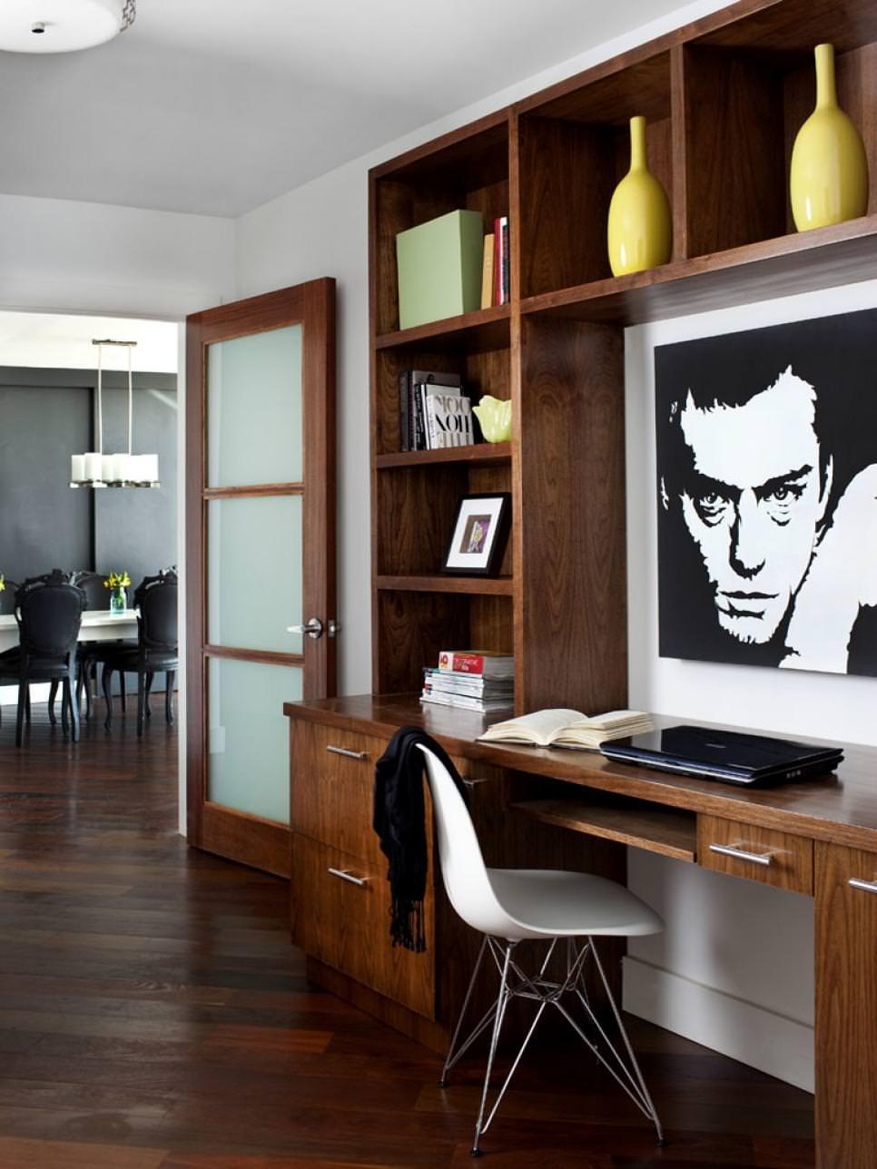 Artistic Modern Shelves Design
