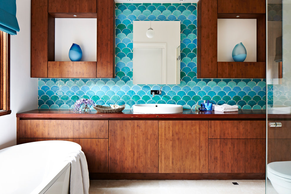 turquoise bathroom wall