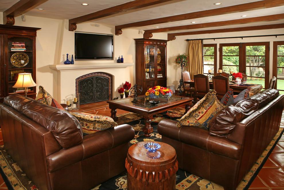 Mediterrean Small Living Room Decoration