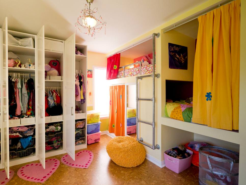 Girl's Bedroom With Cozy Sleeping Nook