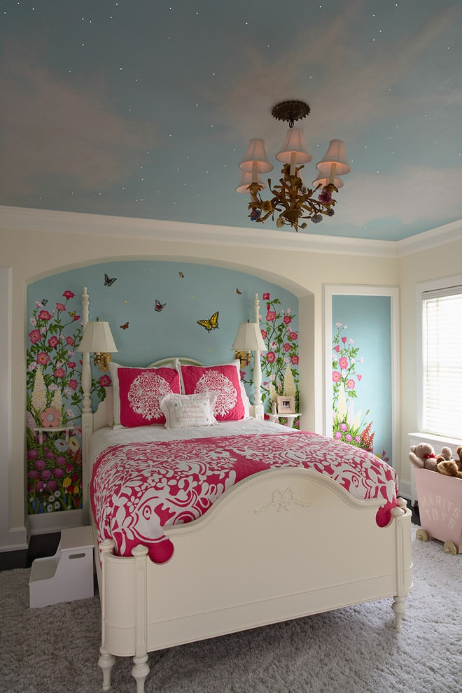 Girly Traditional flower design bedroom