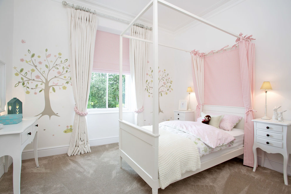 Traditional girls bedroom design