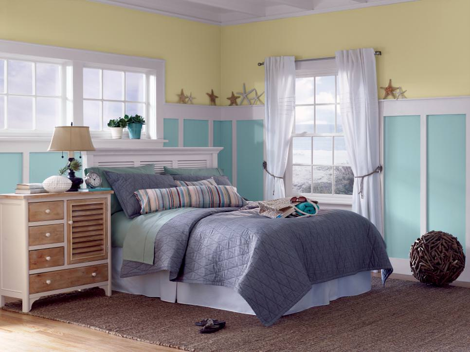 starfish decorate pale yellow and aqua walls design