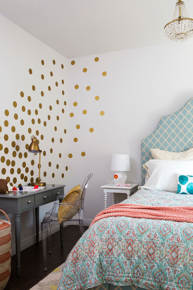 transitional bedroom with dotted wall designs