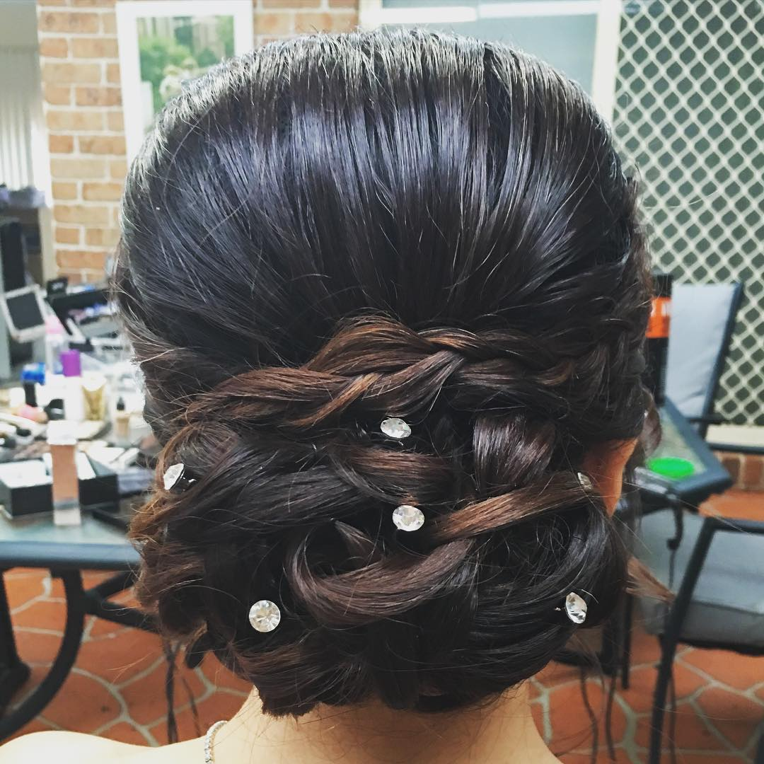 Fashion-Formal Hairstyle for Long Hair