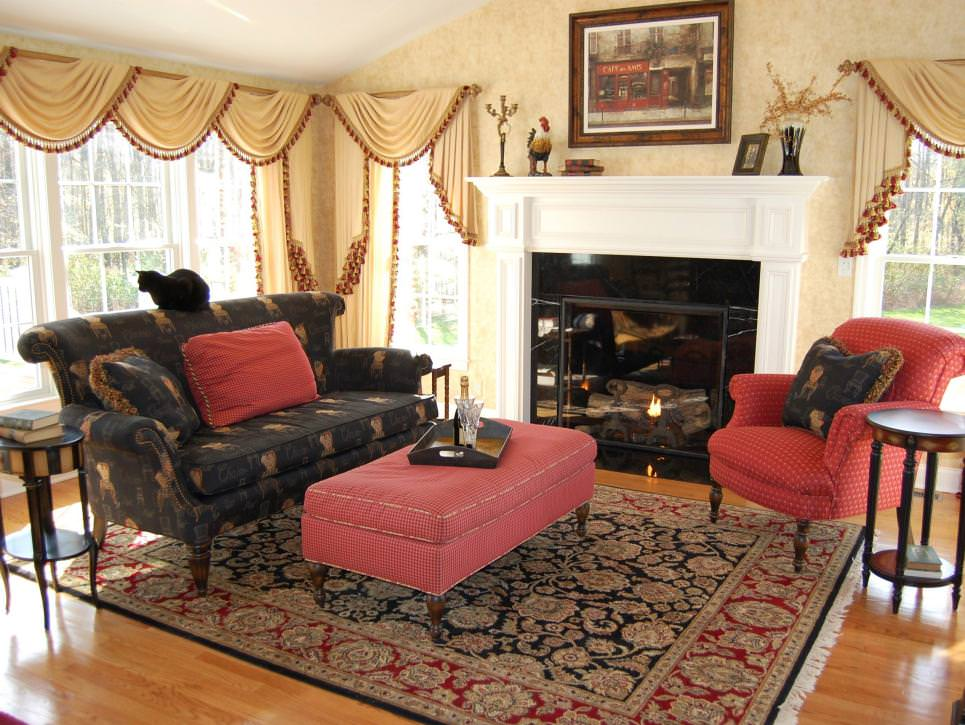 Living Room With Traditional patterned sofa