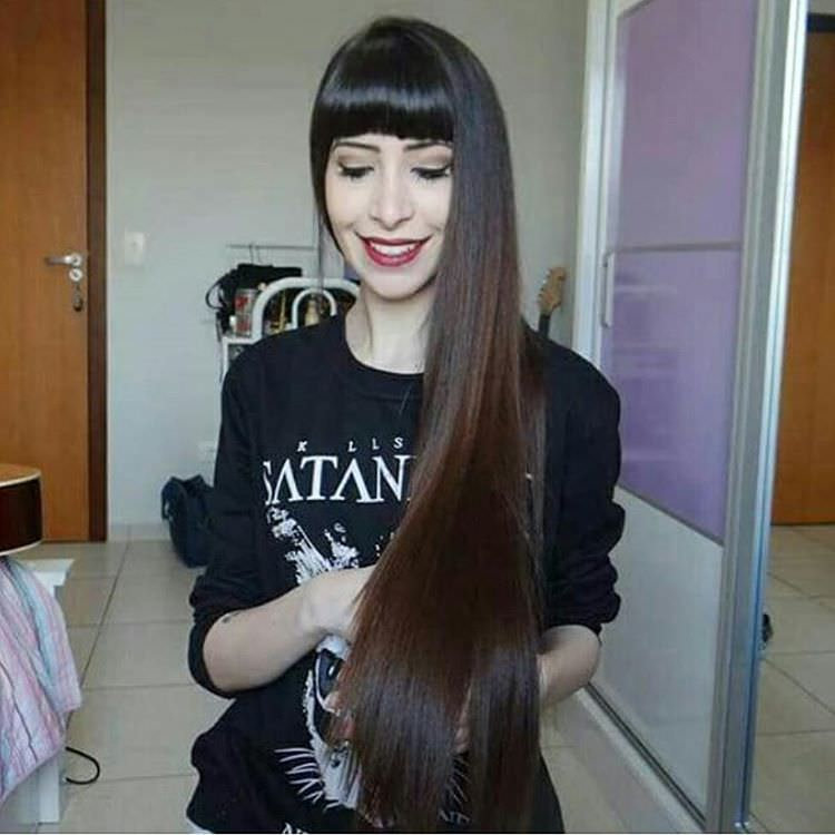 silky long layered hairstyle1