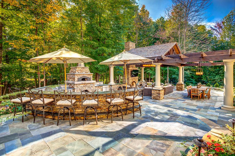 outdoor living space on bluestone patio