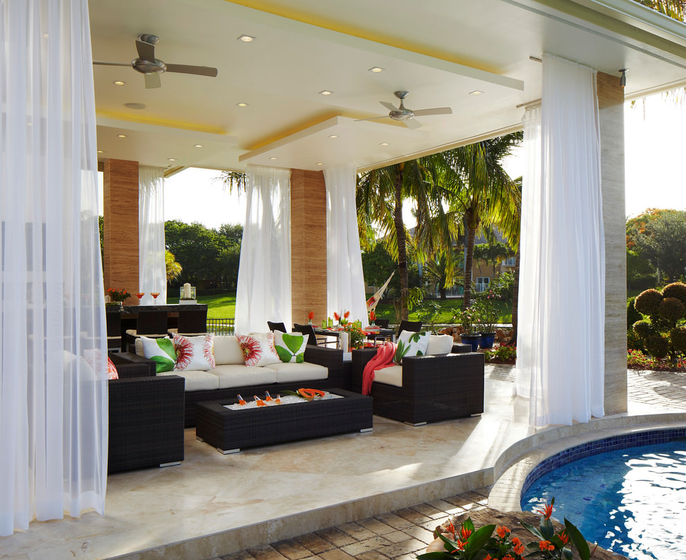 Tropical patio outdoor living room design