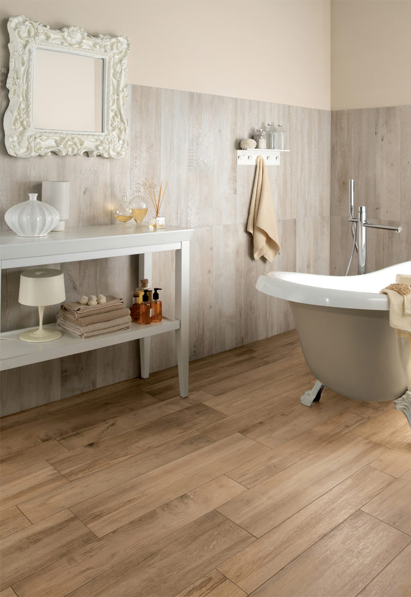 Rough Wooden Bathroom Floor Design