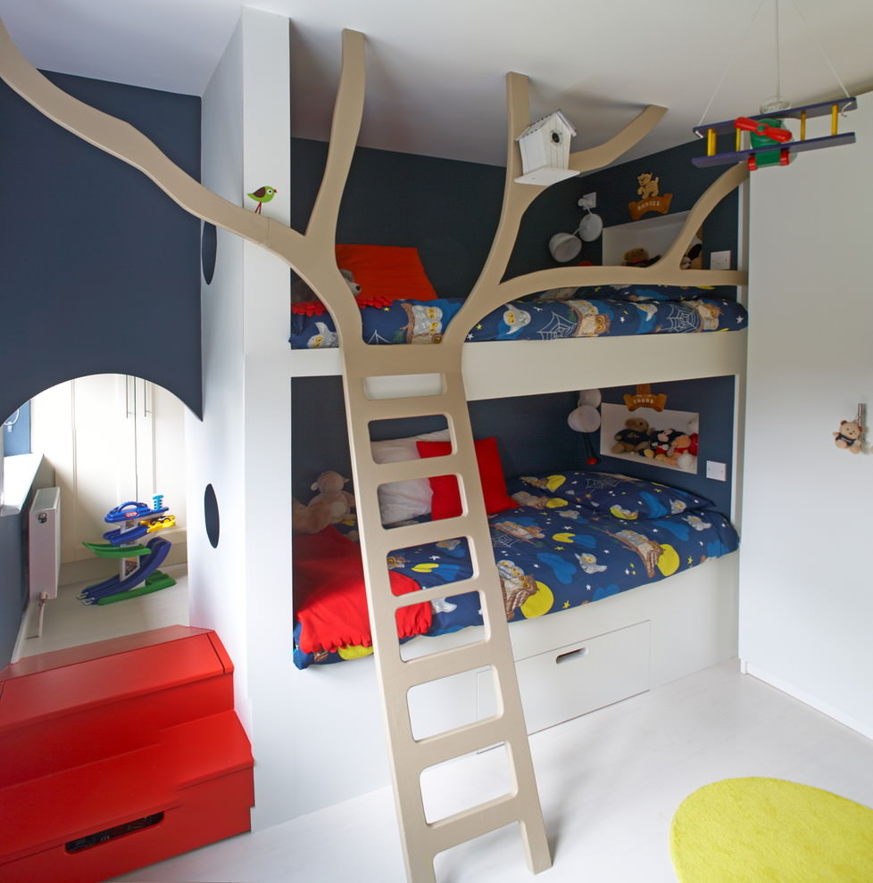 Classic Tree House Bed Design