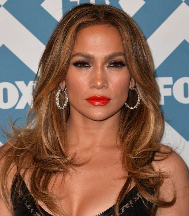 jennifer lopez curly ends hairstyle