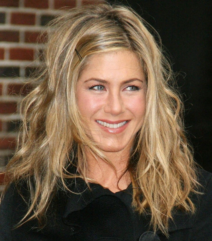 jennifer aniston short medium uneven layers