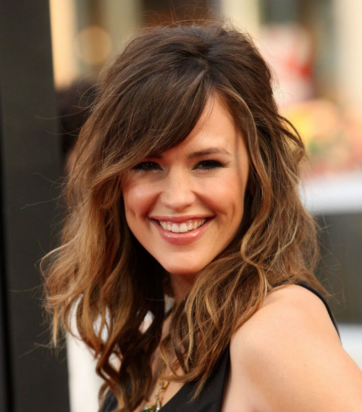 smart taper cut for medium hair by jennifer garner