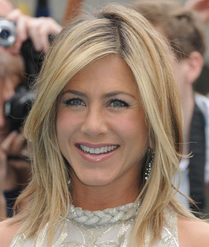 straight and subtle by jennifer aniston