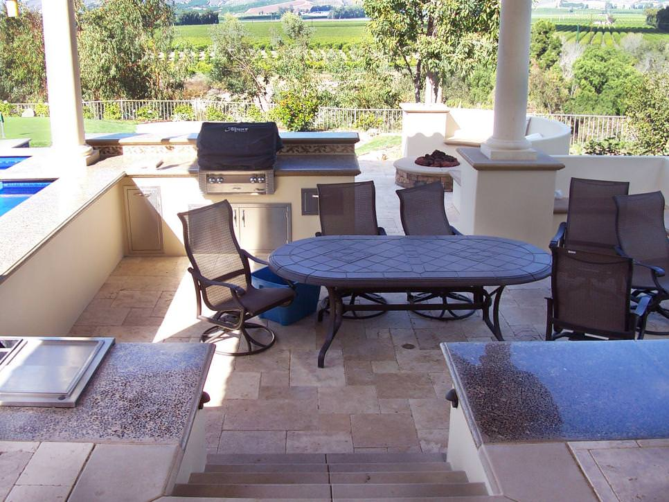 Outdoor Kitchen & Dining Room design
