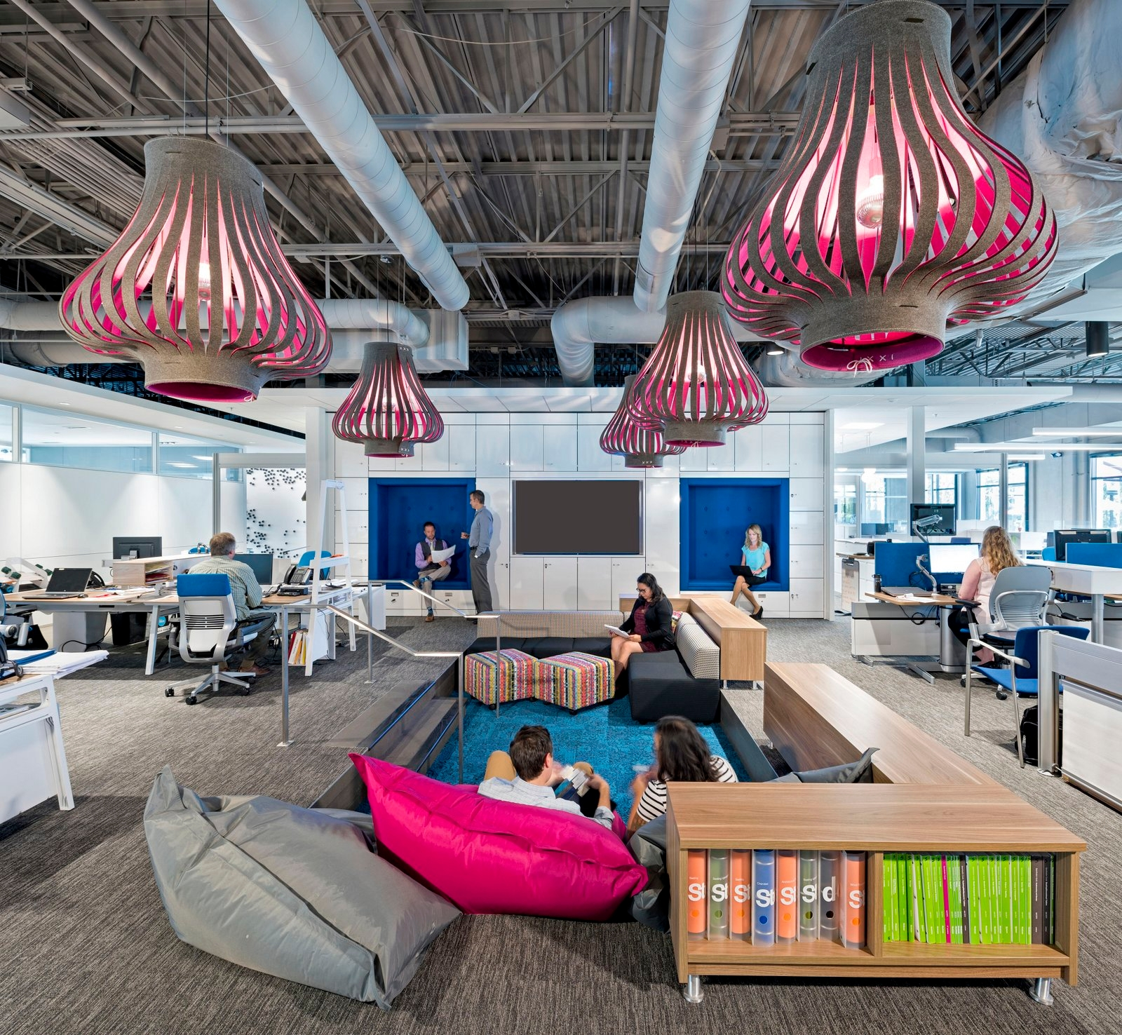 bkm headquarter office design idea