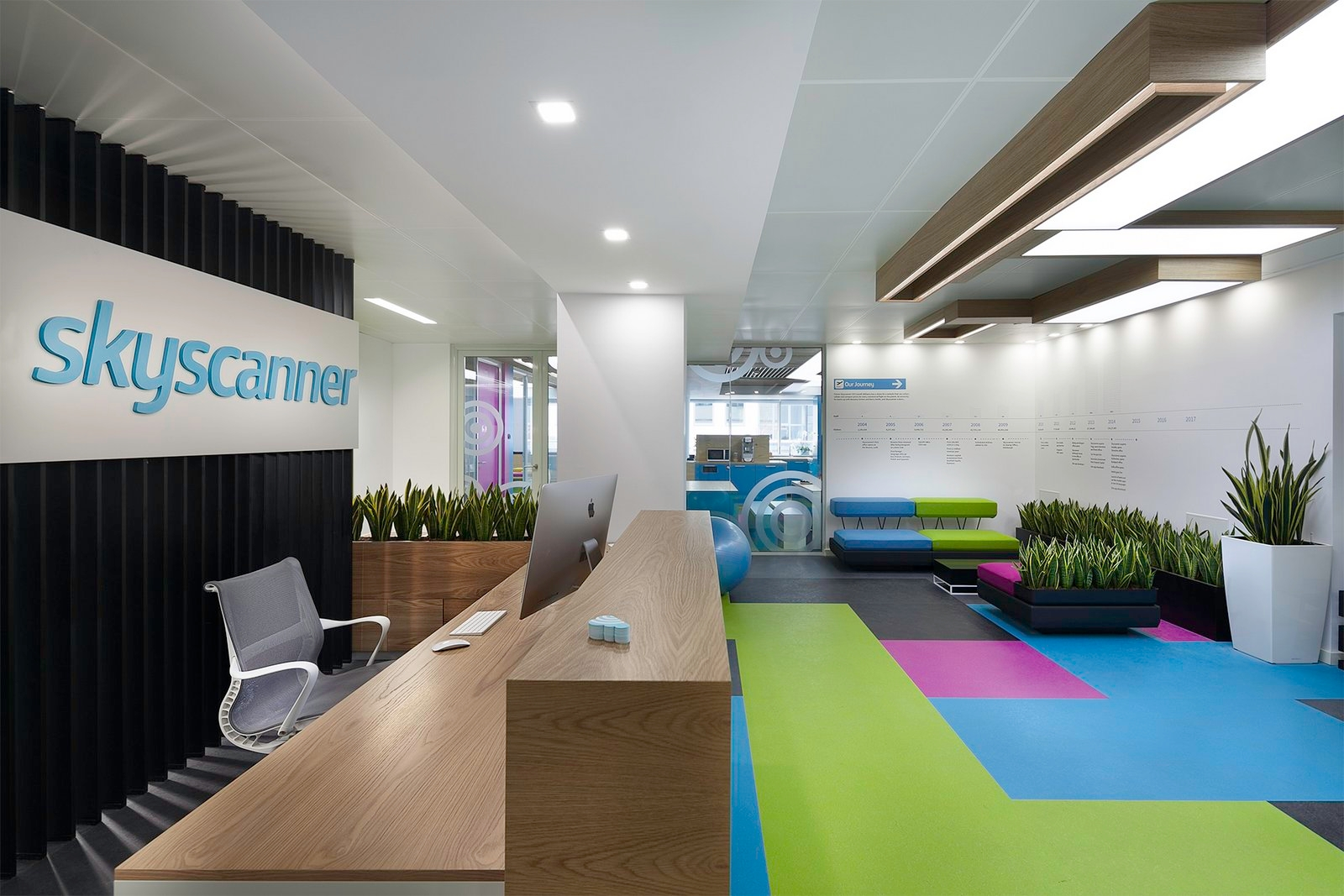 23 office space designs decorating ideas design trends for Commercial space design