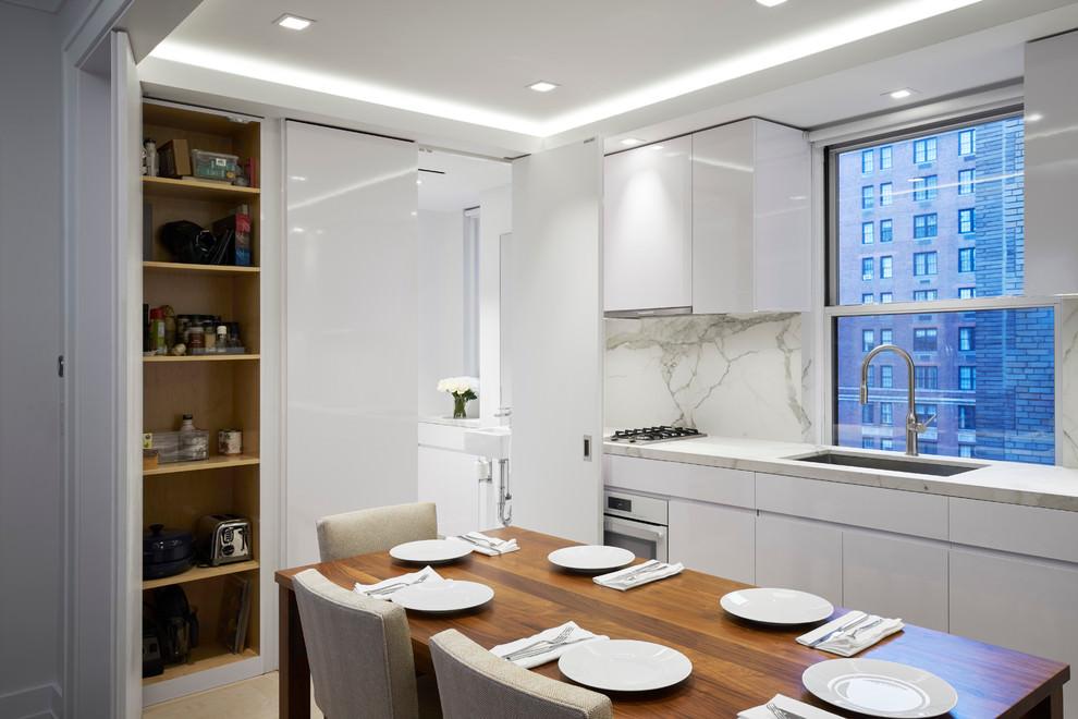 white comtemporary kitchen 1