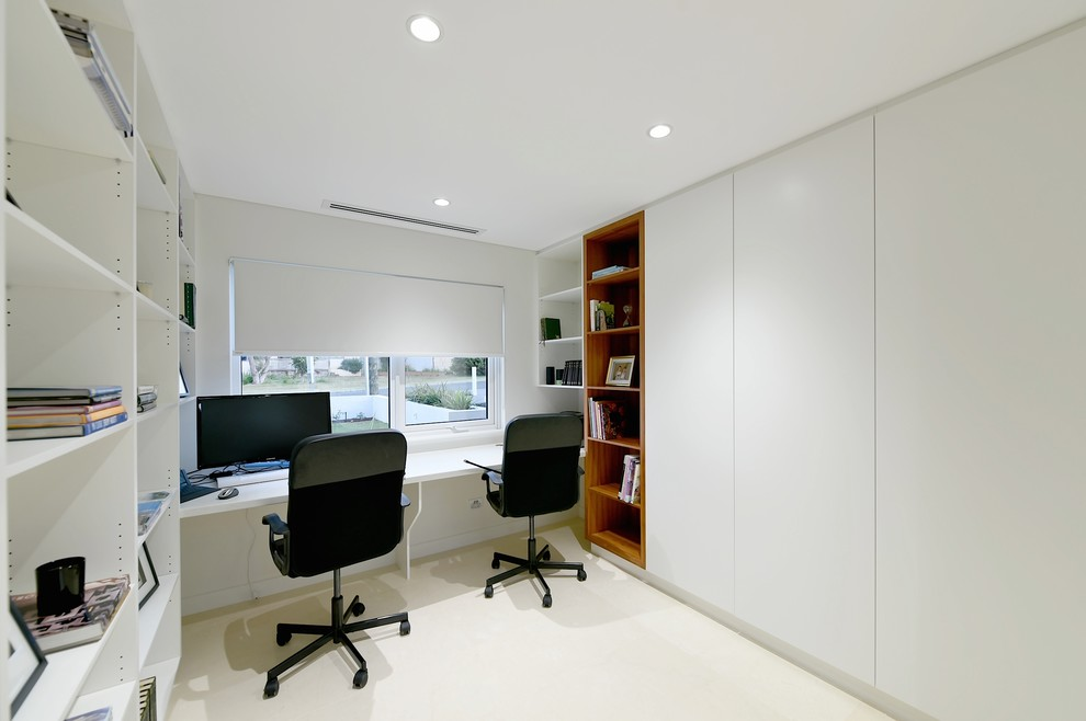 Luxury Home Office Design Looks Pretty