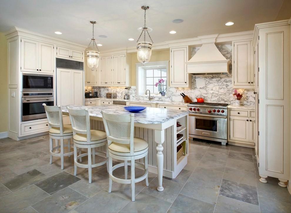 Elegant Kitchen Tile Design