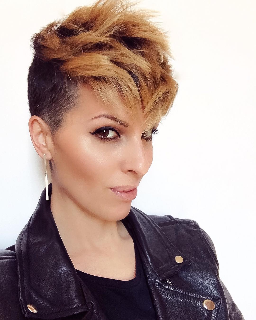 Amazing Short Hairstyle for Girls