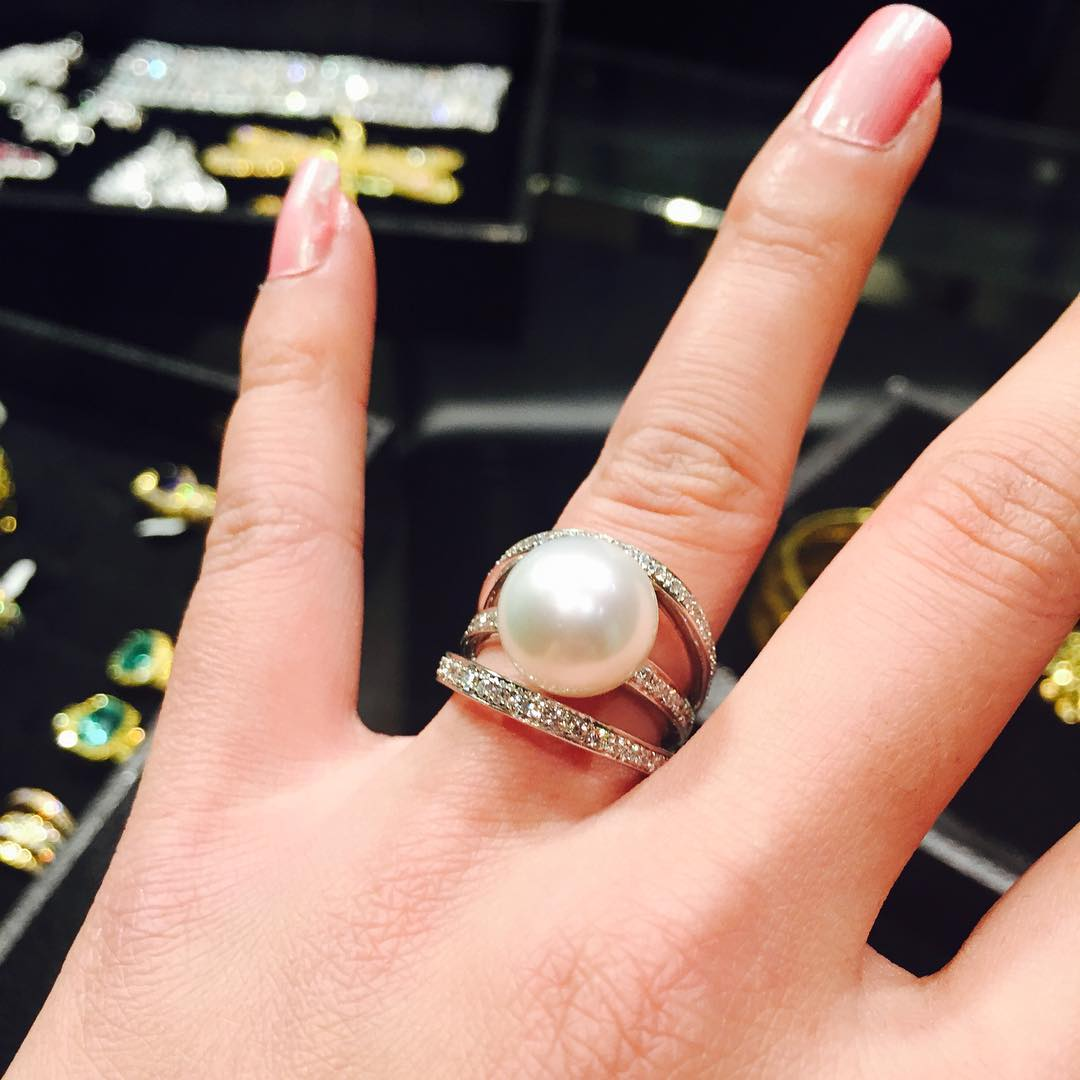 Single Large Pearl Ring