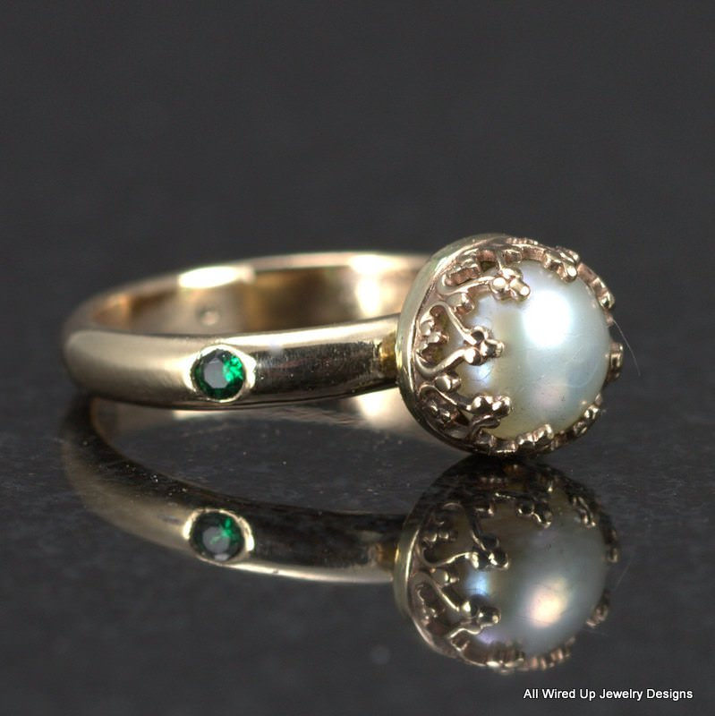 Emerald Gold Pearl Ring